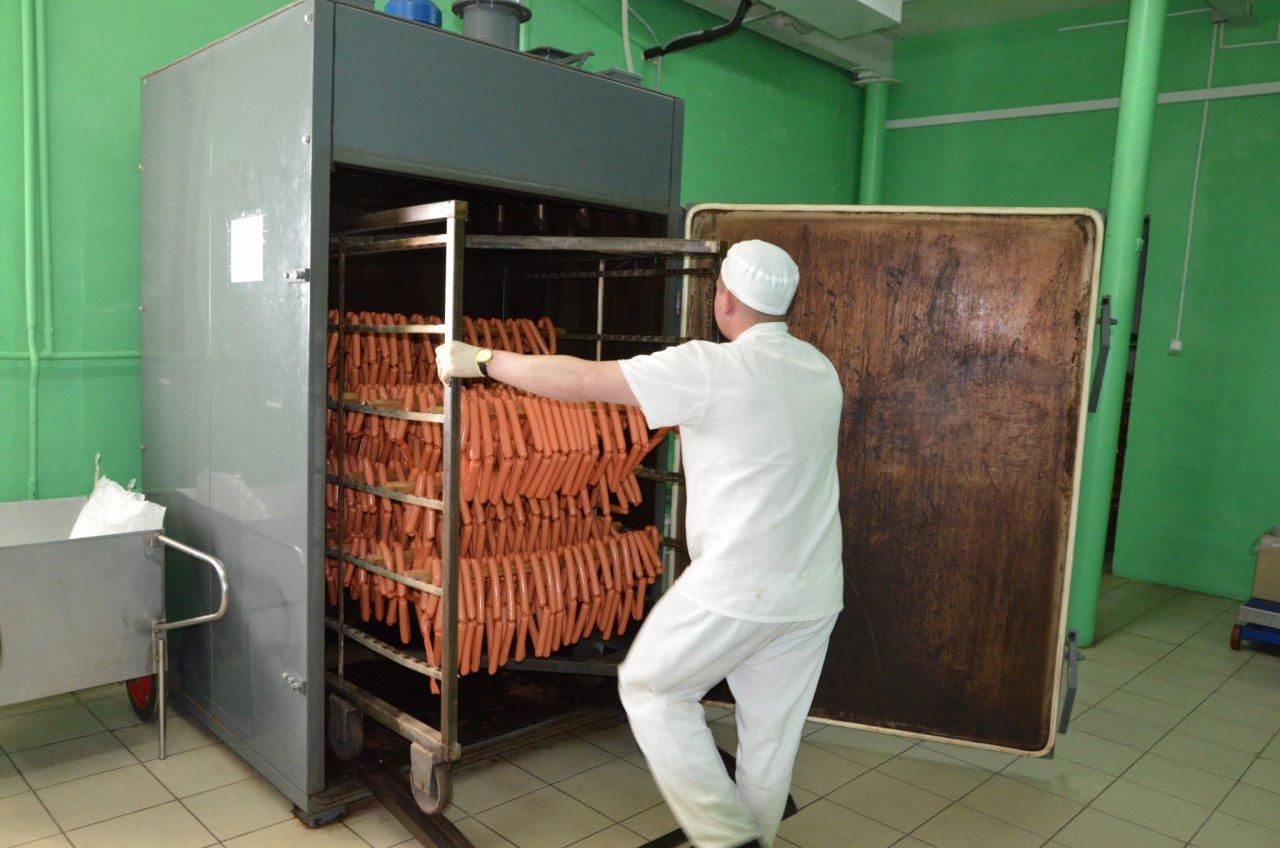 """""""Рыбные и мясные блюда, салат из свежих овощей, чай"""": чем кормят заключенных в Кировской области"""