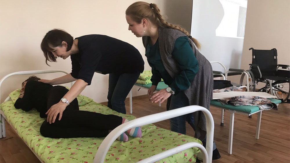 Чепчан  научат ухаживать за маломобильными жителями