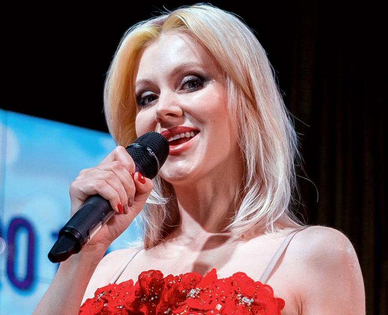 Чепецкое предприятие пригласило для сотрудников известную поп-исполнительницу
