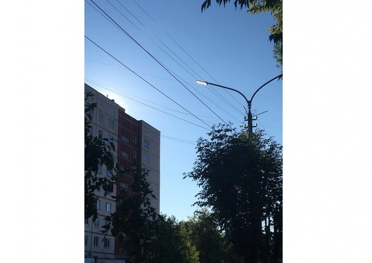«Днем фонари горят, в ночью — нет»: чепчане жалуются на работу уличного освещения
