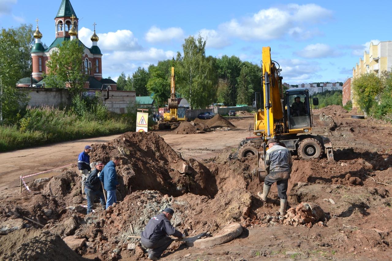 Фото дня: самую проблемную дорогу в Чепецке начали готовить к ремонту