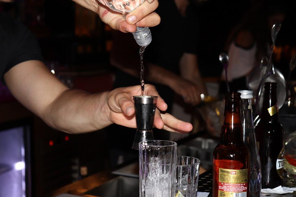 Стало известно, сколько литров алкоголя в год пьют жители Кировской области