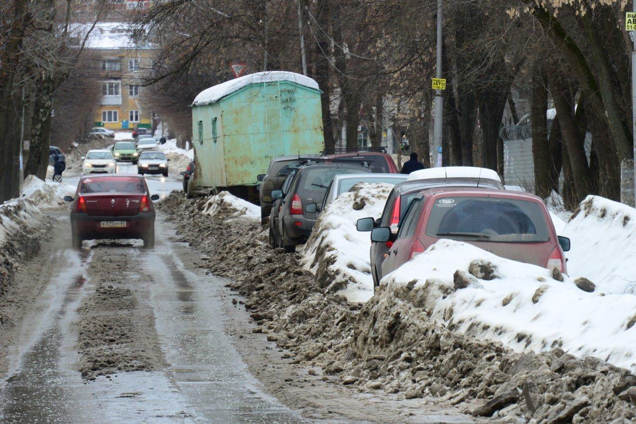 Администрацию Кирова оштрафовали на 300 тысяч рублей за плохие дороги