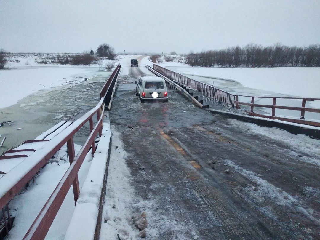 В Кирово-Чепецке понтонный мост через Чепцу вновь ушел под воду