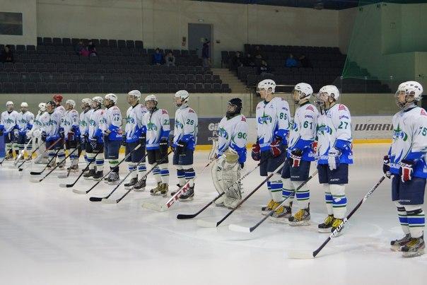 В Чепецке состоялся исторический хоккейный матч (новость от читателей)