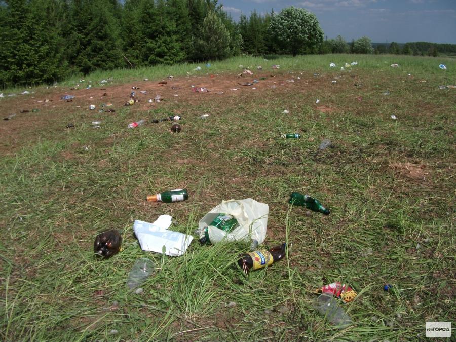 После вечеринки на Карпатах осталась свалка мусора