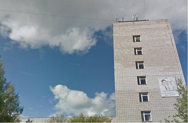 В Кирово-Чепецкой МСЧ из окна выпала женщина: пострадавшей оказалась санитарка больницы