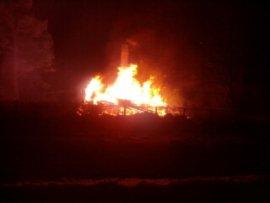 В Кирово-Чепецке сгорел садовый домик