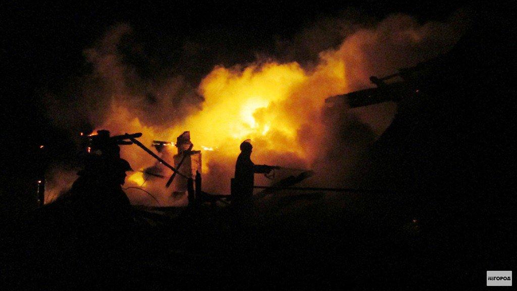В Кирово-Чепецке ночью горел строительный вагончик