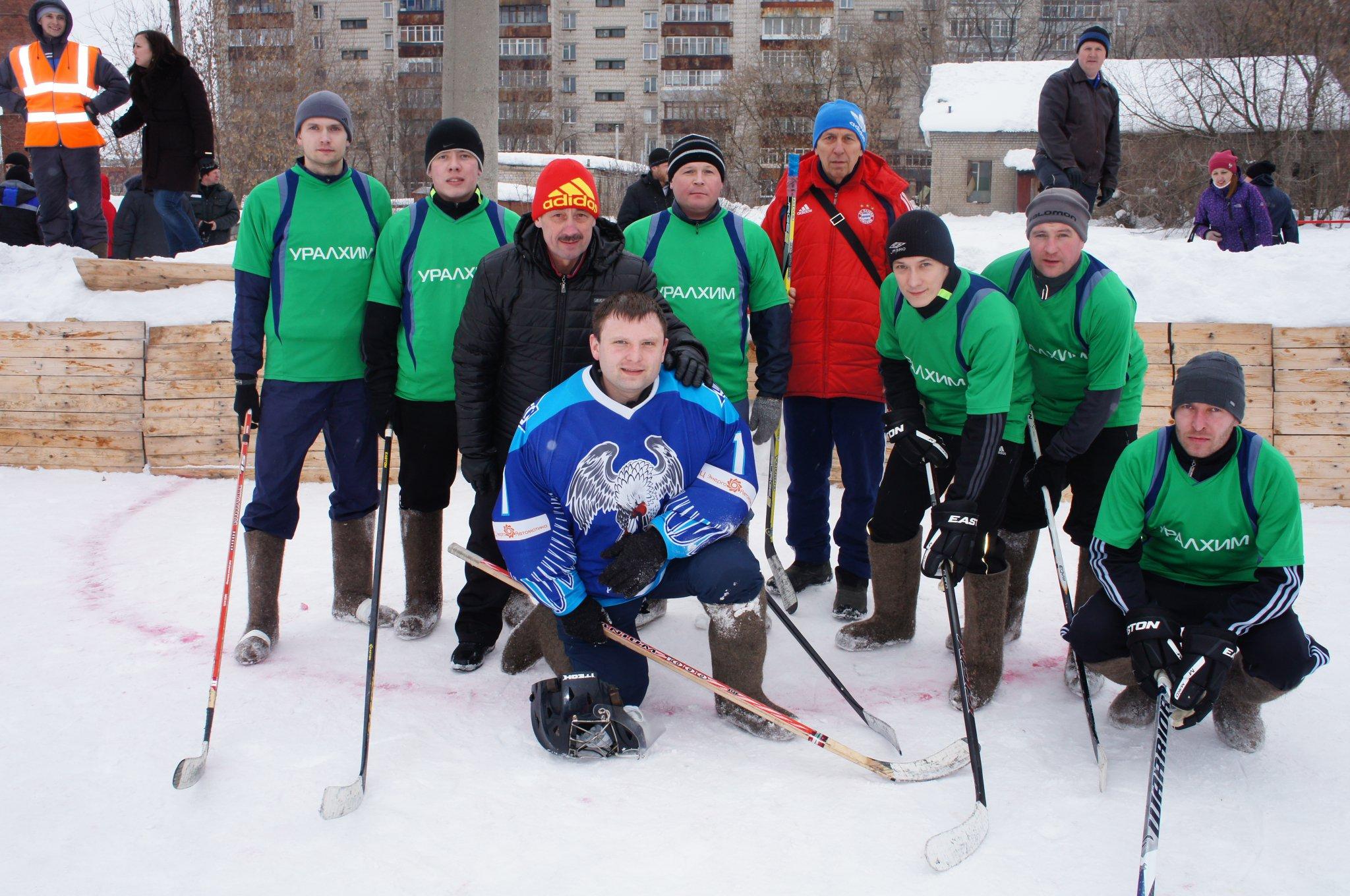 Команда ЗМУ КЧХК выиграла турнир по хоккею на снегу