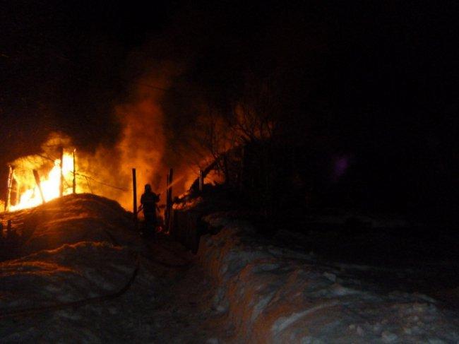 В Кировской области мужчина спас из огня семью