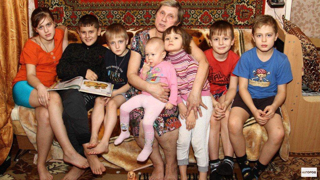 В Кирово-Чепецке появилась мошенница,  которая представляется именем бабушки с семью внуками и просит деньги