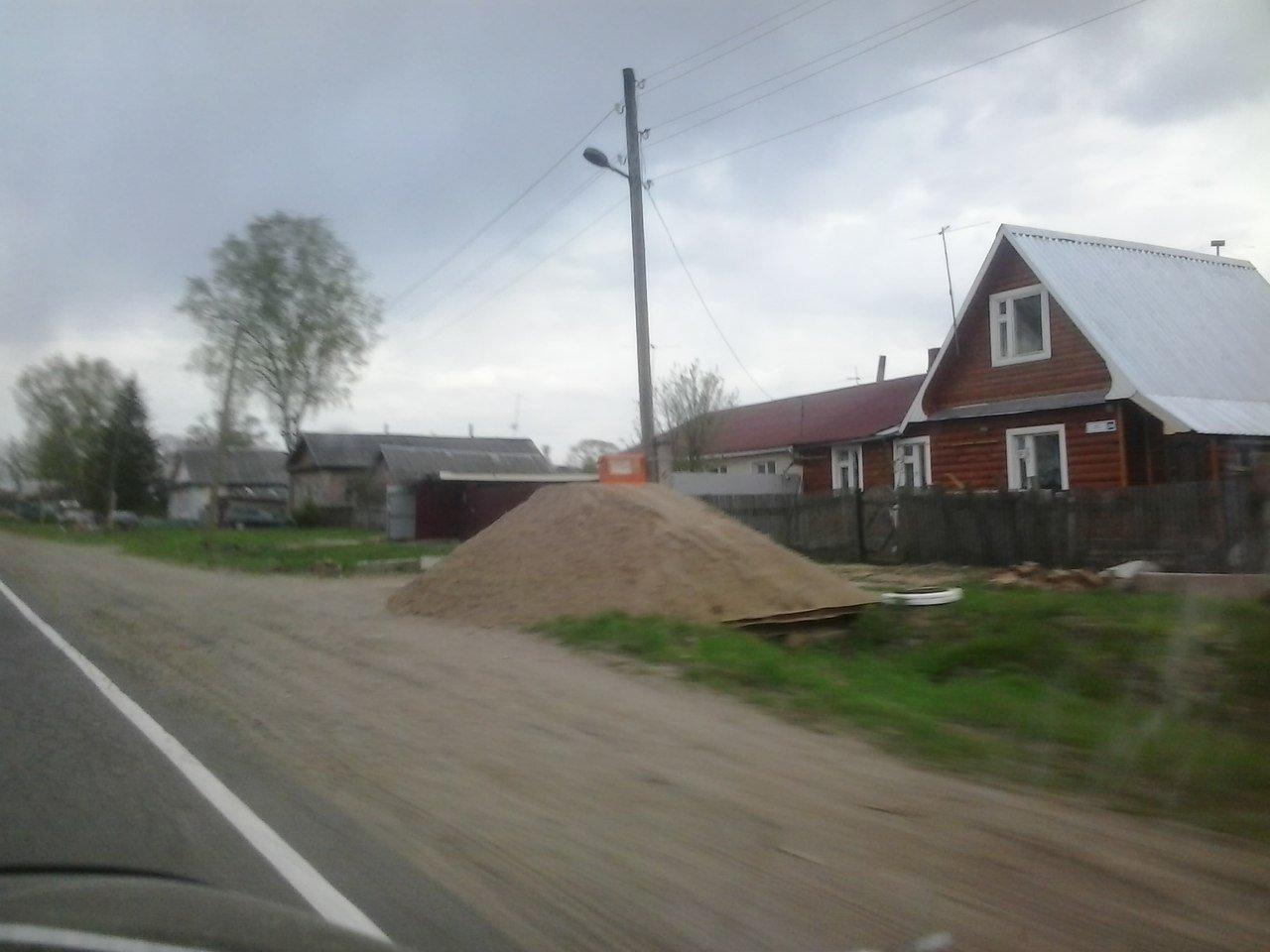 В Кирово-Чепецком районе камеру видеофиксации засыпали песком