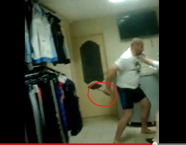 В Кирово-Чепецке продавец накинулся с ножом на покупателя