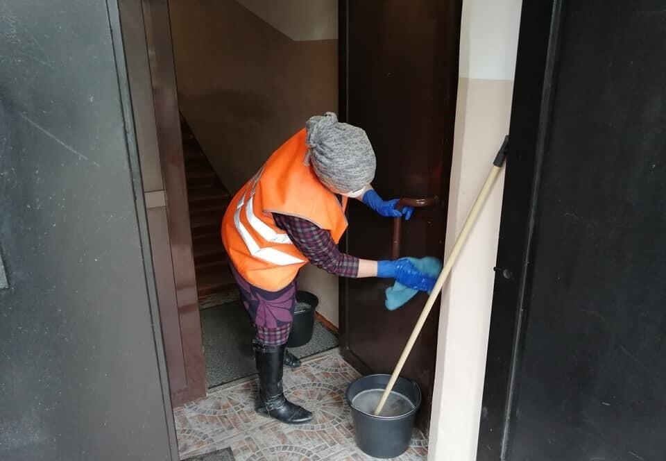 Известно, сколько подъездов в домах Чепецка дезинфицируют подрядчики