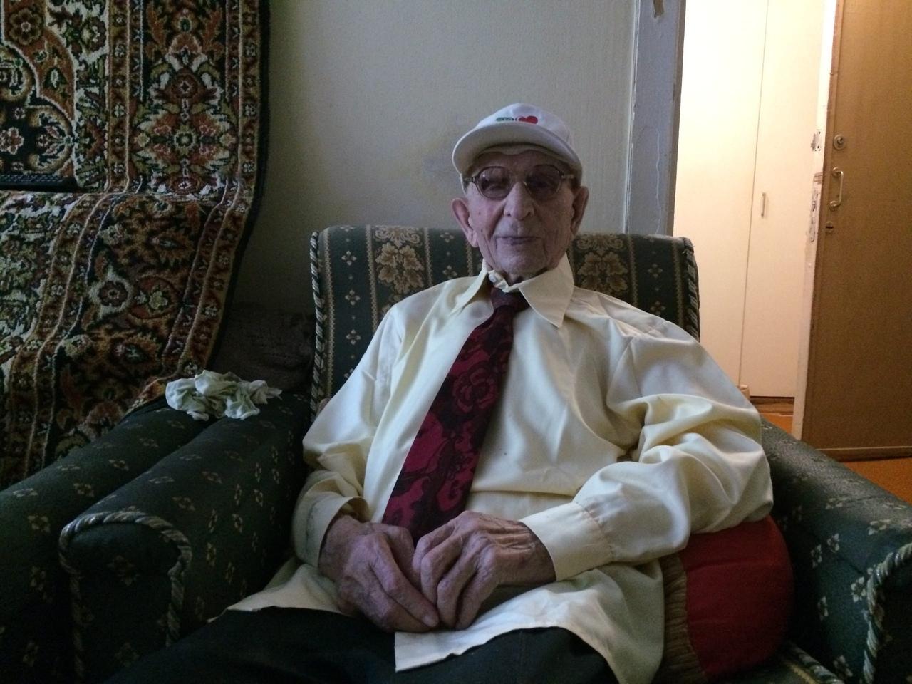 Старейшему жителю Чепецка Василию Сиволапову исполнилось 107 лет
