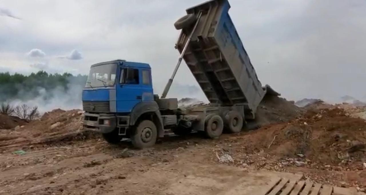 Возгорание на мусорном полигоне под Просницей по-прежнему не ликвидировано