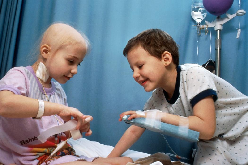 Врачи-онкологи назвали 5 признаков развития рака у детей