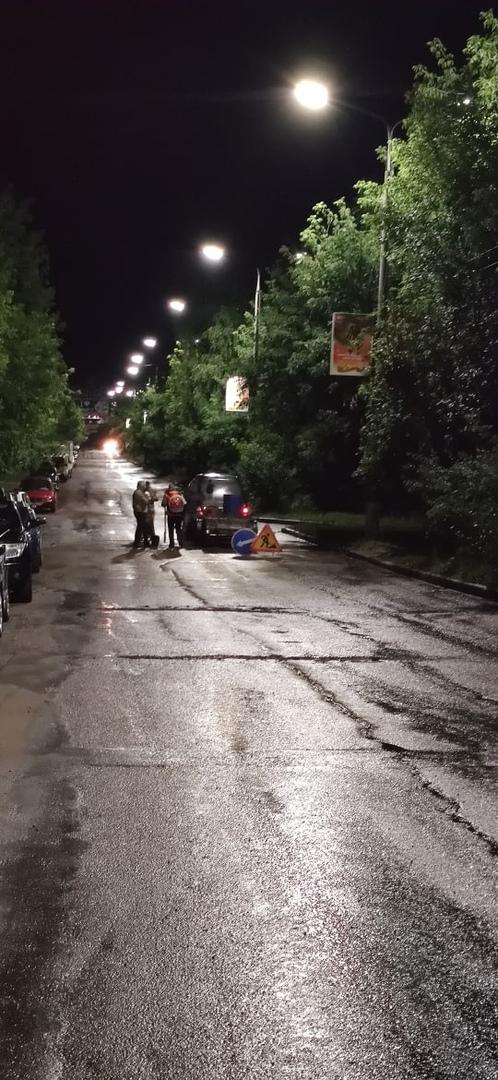 «Ночью асфальт лучше ложится?»: чепчане жалуются на шум от работы дорожников