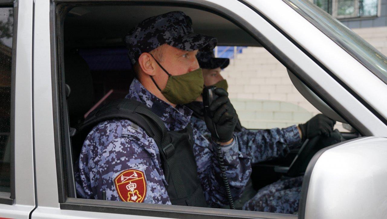 В Кирово-Чепецке 24-летний парень избил одного из посетителей кафе