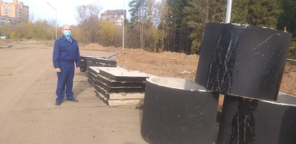 Срыв сроков, плохой асфальт и незаконченная реконструкция: как ремонтировали дороги в Чепецке в 2020 году