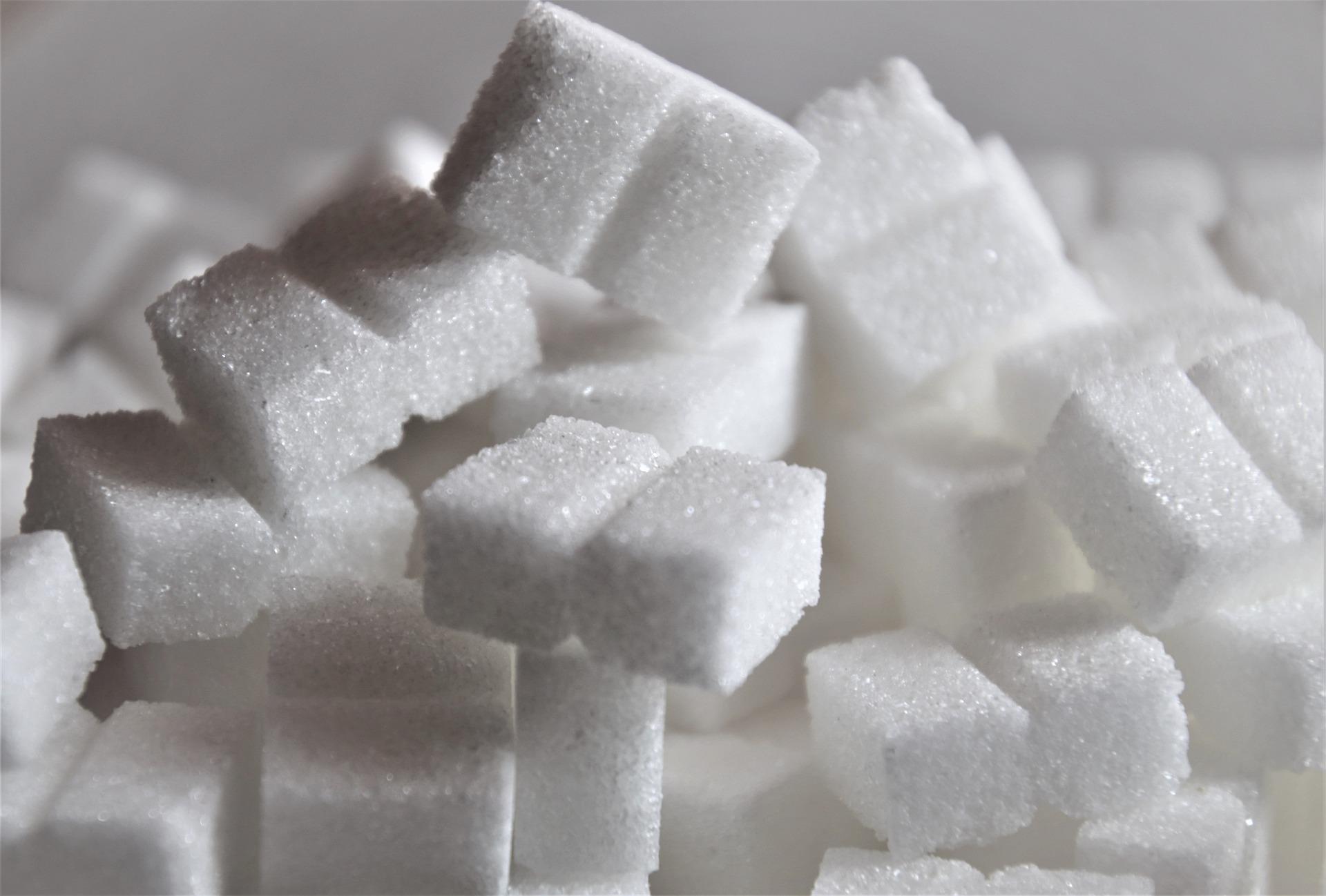 В России установят предельные цены на сахар и подсолнечное масло