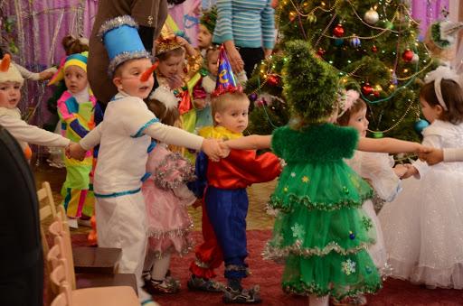 3 новогодних костюма своими руками, которые подойдут каждому ребенку